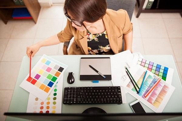 Graphic Designer 2 - Recruitery