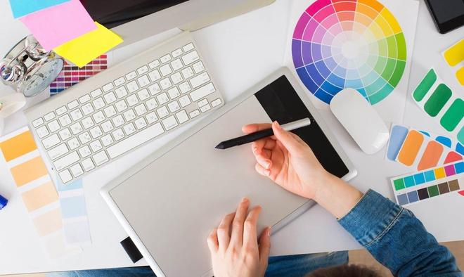 Graphic Designer 3 - Recruitery